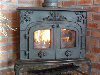 いよいよ暖炉の季節